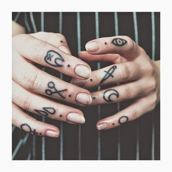 sur la main et les doigts 1