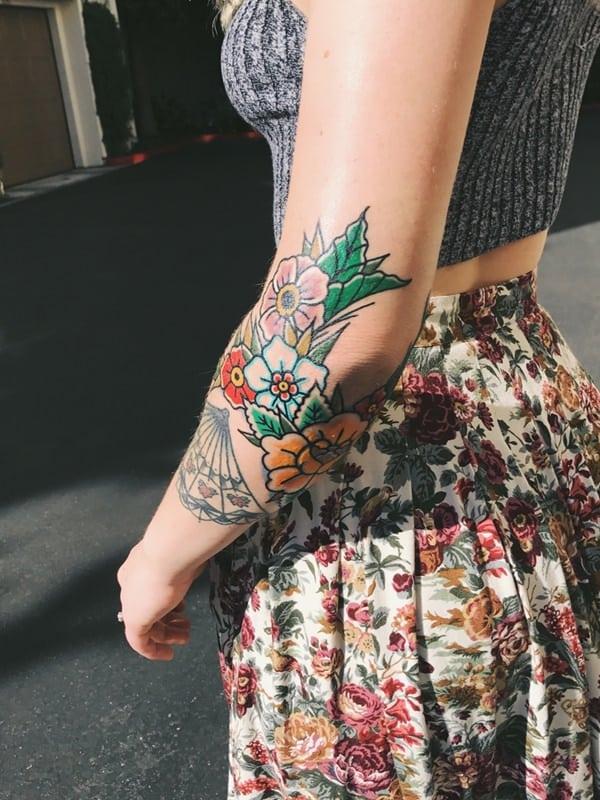 tatouages de fleurs sur le bras 8
