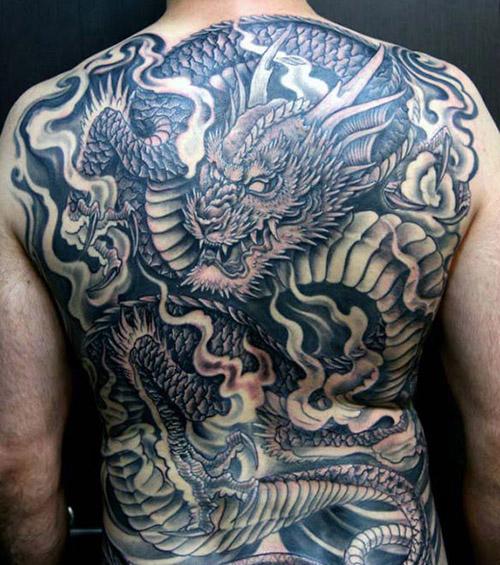 tatouages dragons dos tatouage 5