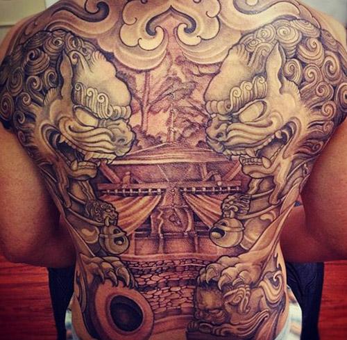 tatouages dragons dos tatouage 3