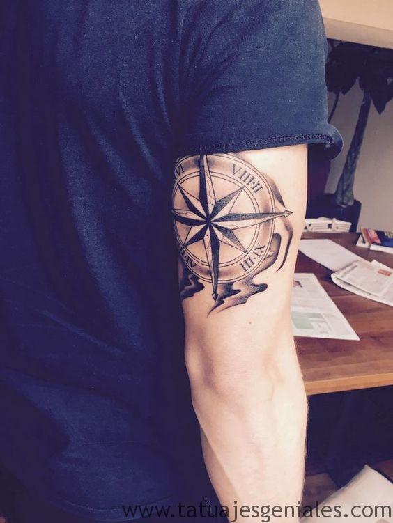 tatouages boussole hommes 8