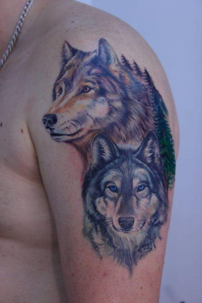 tatouages loups épaule 2 683x1024