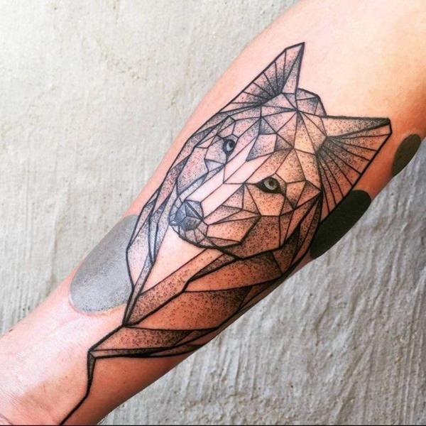 tatouages géométriques de loup signifiant tatouage 8