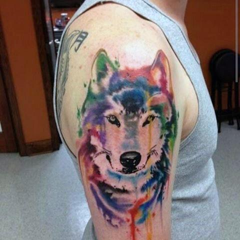 Tatouages de loup en aquarelle signification des tatouages de loup 2