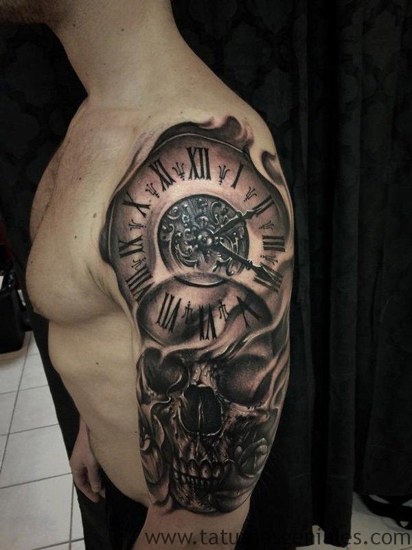 montre de tatouage sur le bras 3