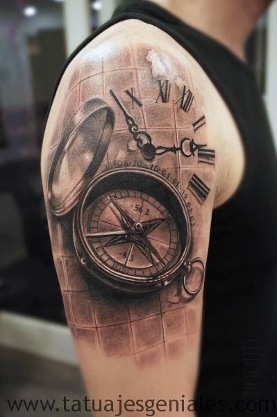 montre de tatouage sur le bras 5