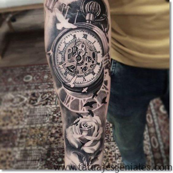 montre de tatouage avec des roses 1