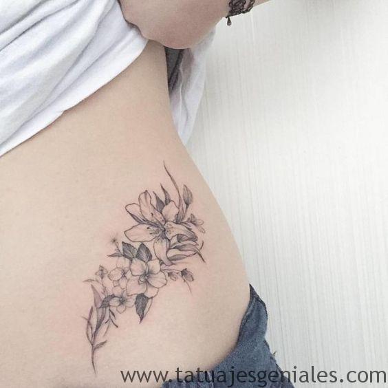 tatouages de hanche pour les femmes 4