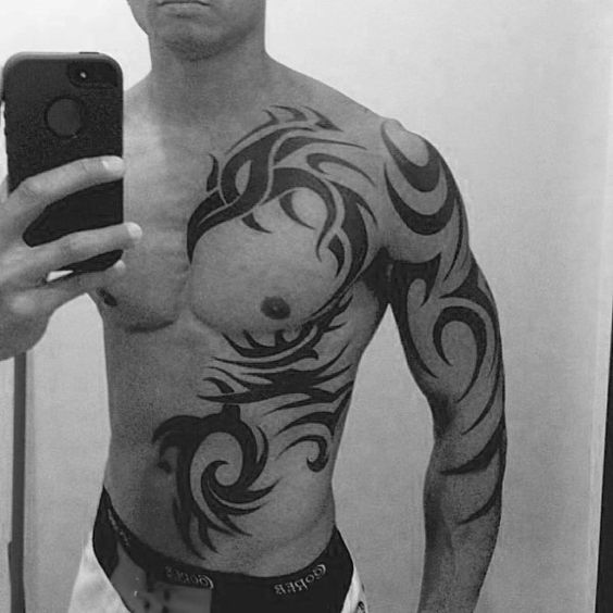 tatouages tribaux hommes originaux 4