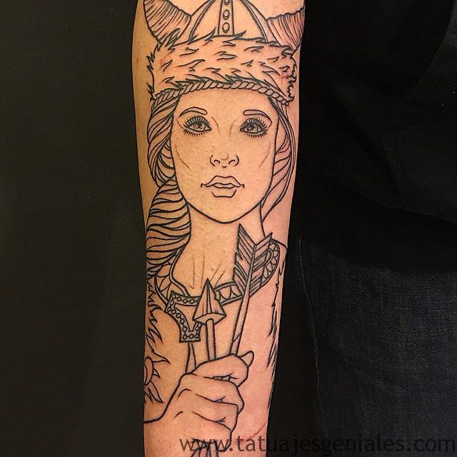 Tatouages de femmes viking 3