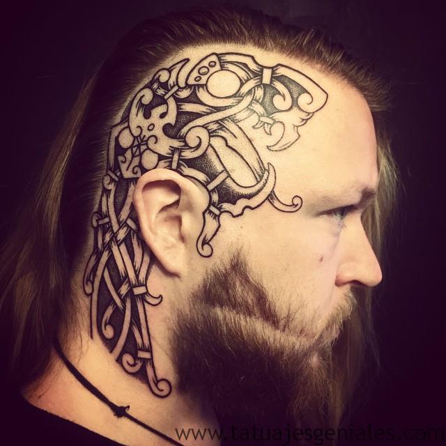 Tatouages Viking pour hommes 4