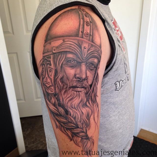 Tatouages Viking pour hommes 7