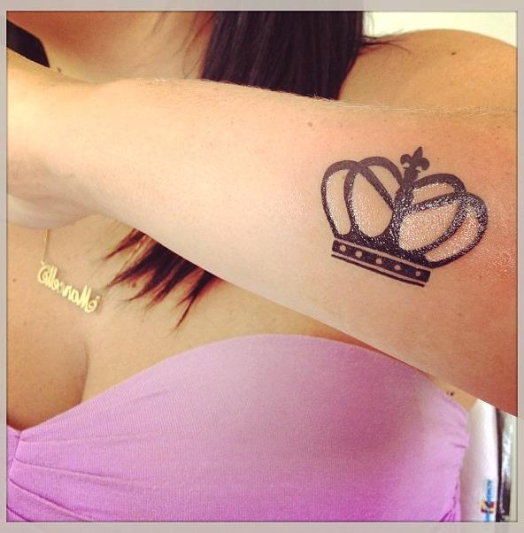 Tatouage de couronnes pour femmes