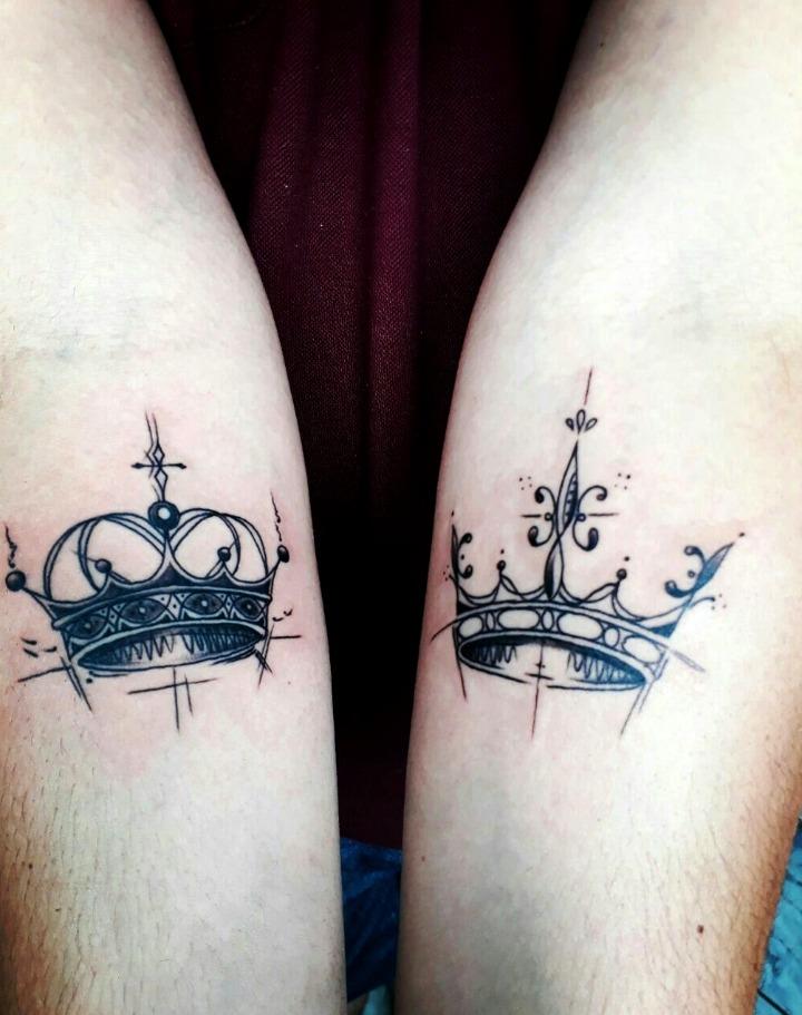 Tatouages de couronne pour les couples