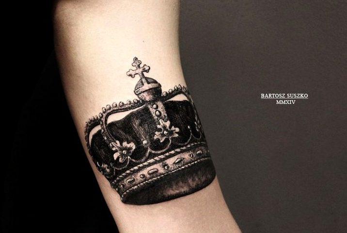 Tatouage de couronnes pour hommes