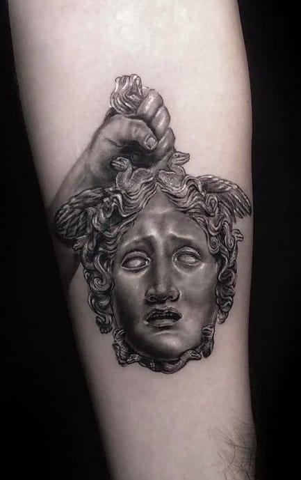 Tatouage Persée et Méduse
