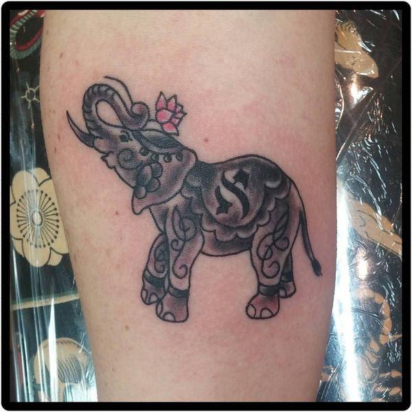 6 Tatouage mignon bébé éléphant