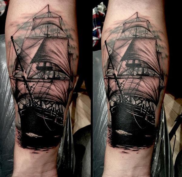 Tatouage avant-bras de bateau-93